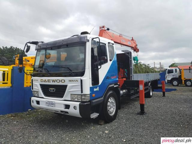 2019 Daewoo 6 Wheeler Boom Truck with 7 Tons Crane