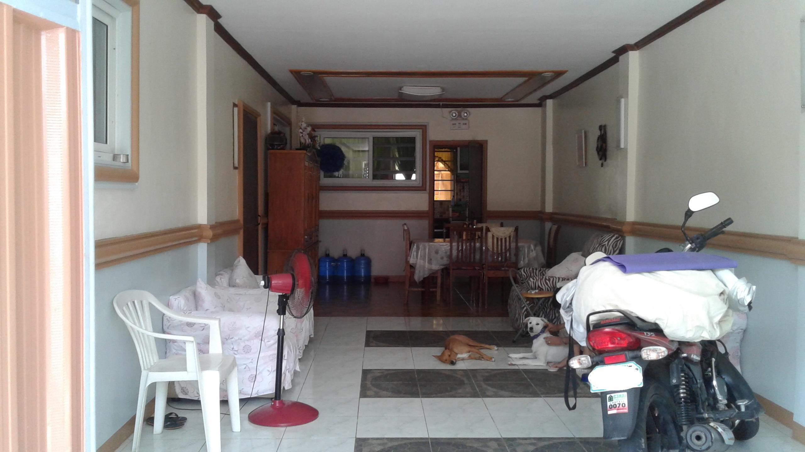 For Sale/Rent Well Maintained House And Lot