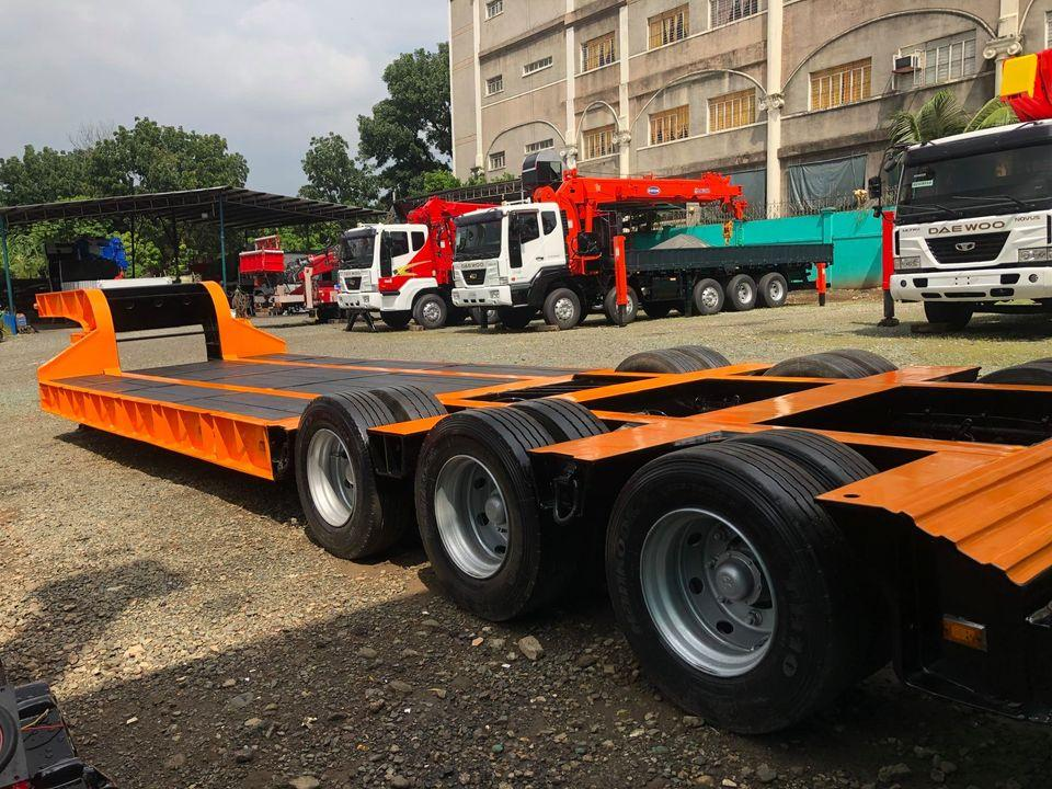 12 Wheeler Low Bed Trailer 70 tons